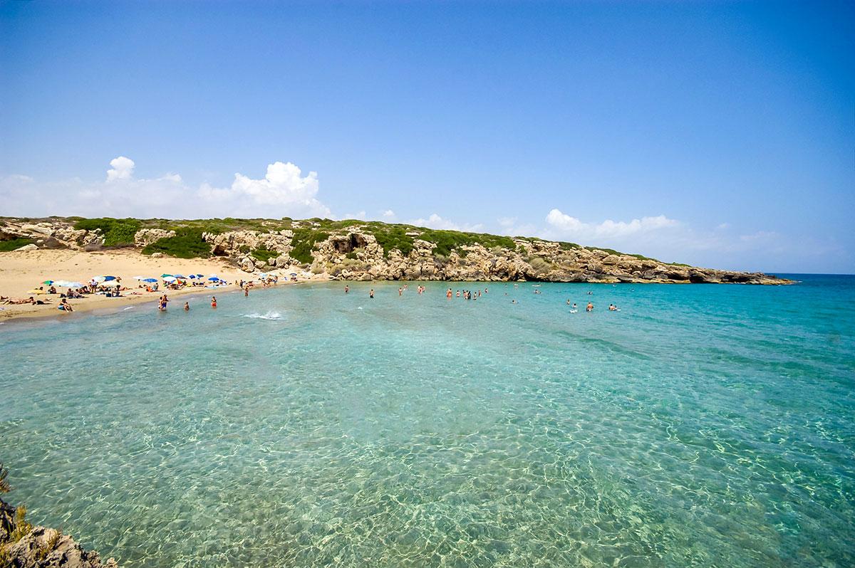 Acqua cristallina a Calamosche. È una delle spiagge più belle della Sicilia, situata nella riserva naturale di Vendicari a sud di Siracusa